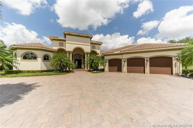 12401 N Stonebrook Cir, Davie, Florida