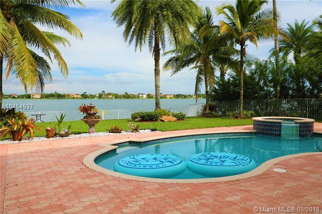 811 SW 171st Ter, Pembroke Pines, Florida