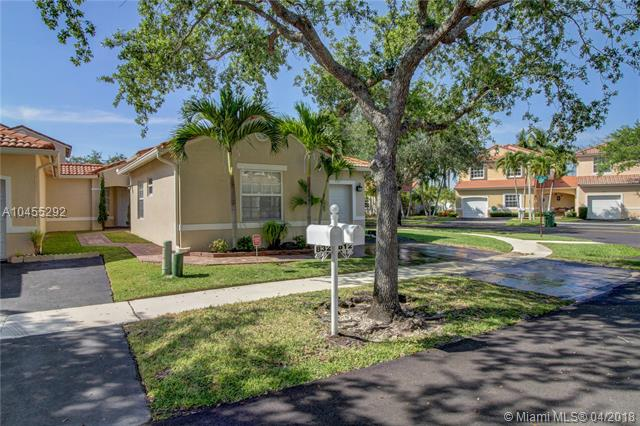 812 SW 178th Way, Pembroke Pines in Broward County County, FL 33029 Home for Sale