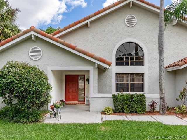 3044 Perriwinkle Cir, Davie, Florida