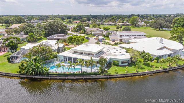 6000 Umbrella Tree Ln, Tamarac, Florida