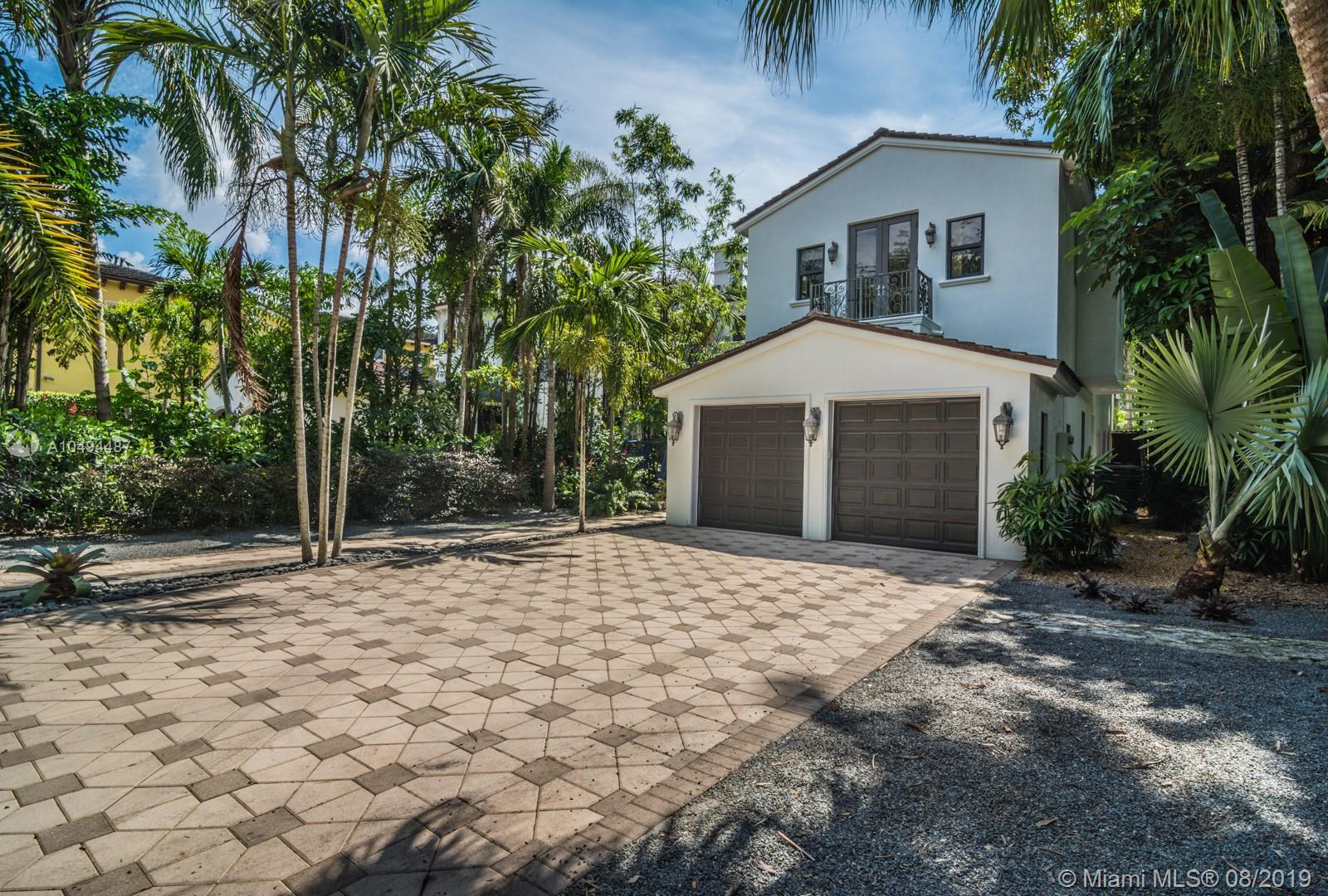 3751 Solana Rd Miami, FL 33133