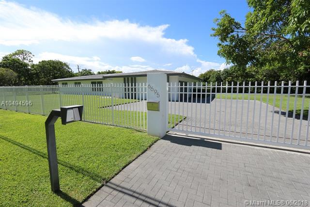 6695 SW 96 ST, Kendall, Florida