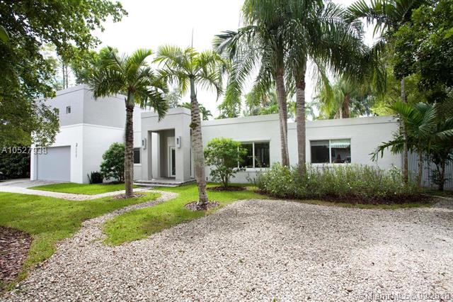 7020 SW 57th St, South Miami Pool for Sale