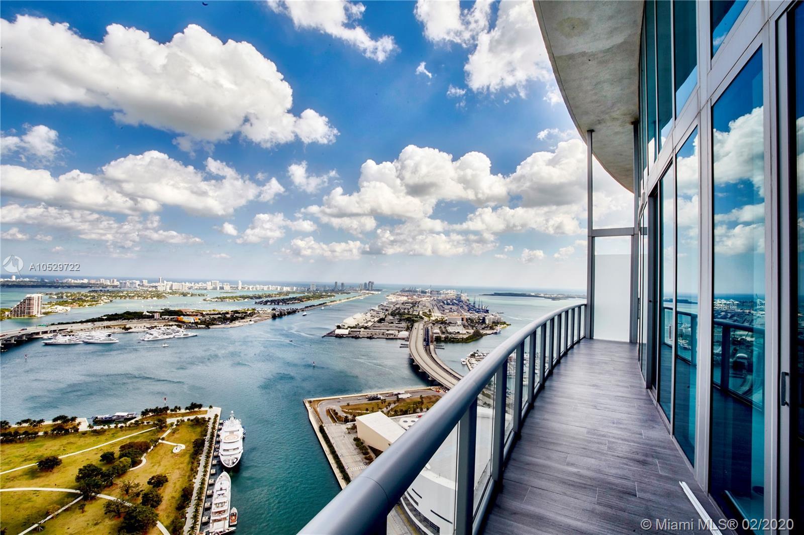 888 Biscayne Blvd Miami, FL 33132