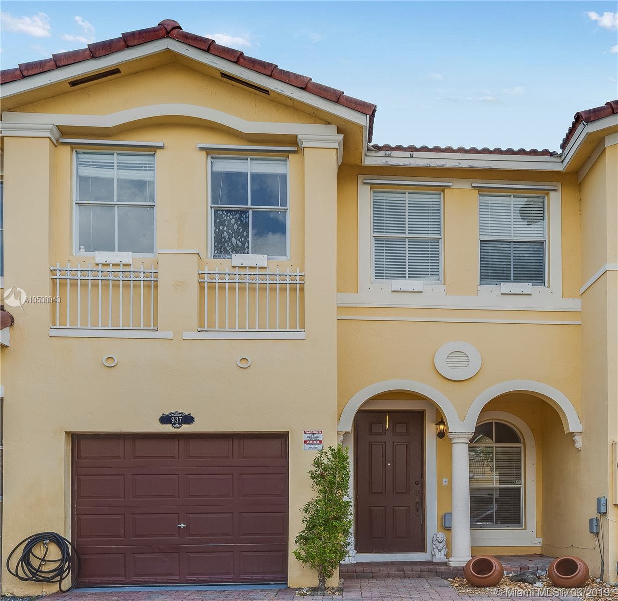 937 Sw 151st Pl Miami, FL 33194