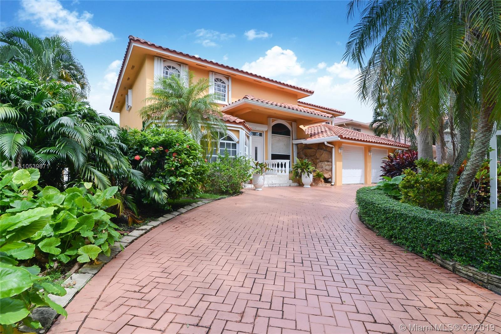 8015 Nw 162nd St Miami Lakes, FL 33016