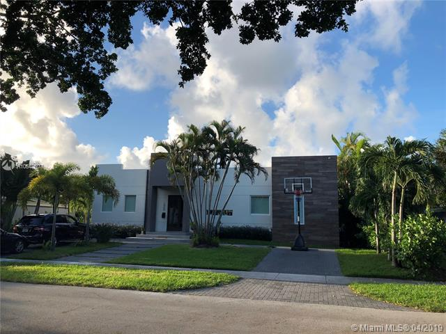 1950 Alamanda Dr North Miami, FL 33181