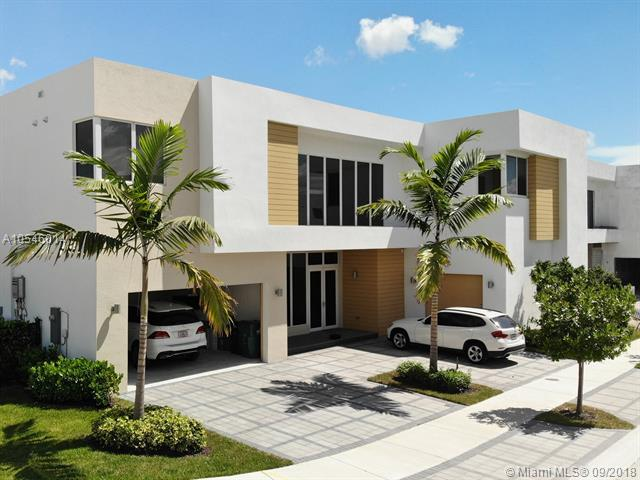 7525 Nw 103rd Pl Miami, FL 33178