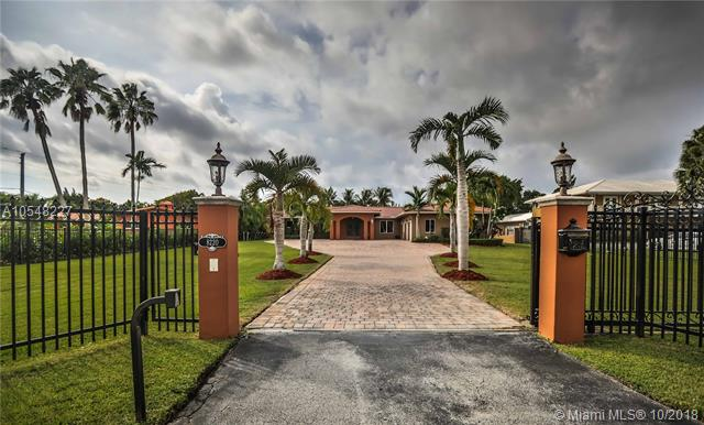8220 Miller Dr, South Miami, Florida