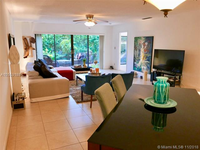 110 Dunwoody Ln, Hollywood, Florida