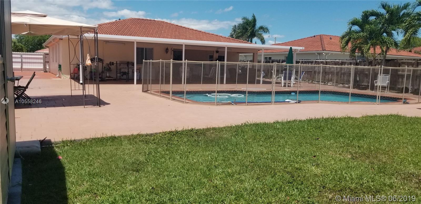 12458 Sw 220 St Miami, FL 33170