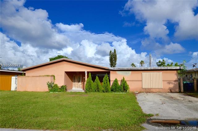 3309 W Lake Pl, Miramar, Florida