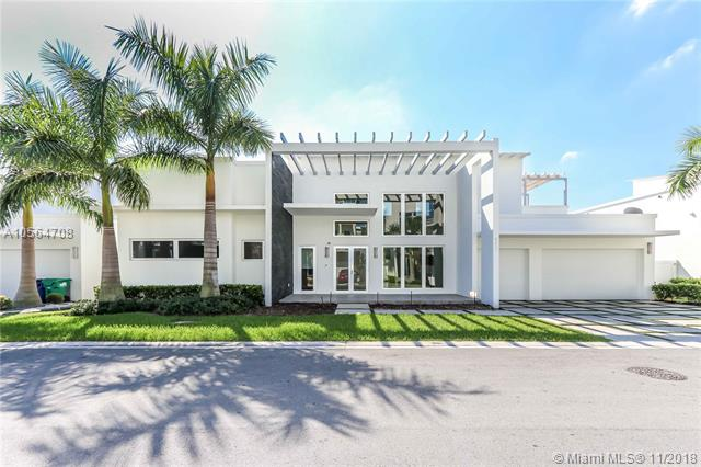 8256 NW 34 DR, Doral, Florida 5 Bedroom as one of Homes & Land Real Estate
