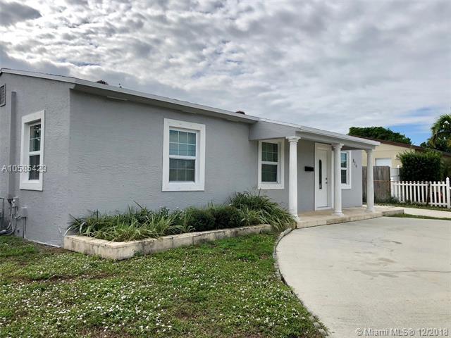 824 Bunker Rd West Palm Beach, FL 33405
