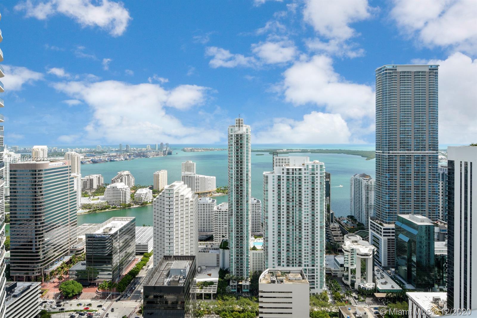 45 Sw 9th St Miami, FL 33130