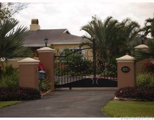 16550 Sw 216th St Miami, FL 33170