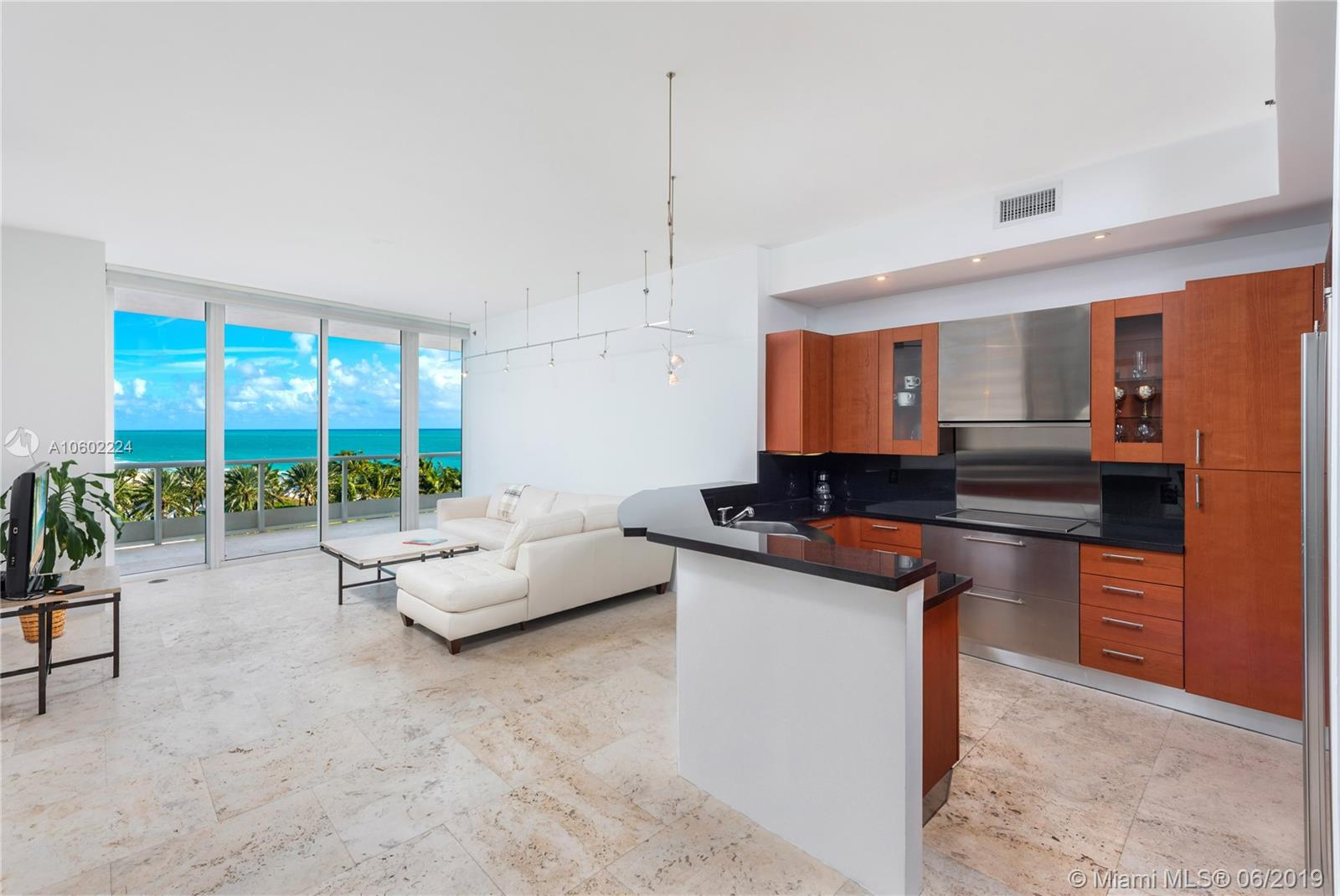 100 S Pointe Dr Miami Beach, FL 33139