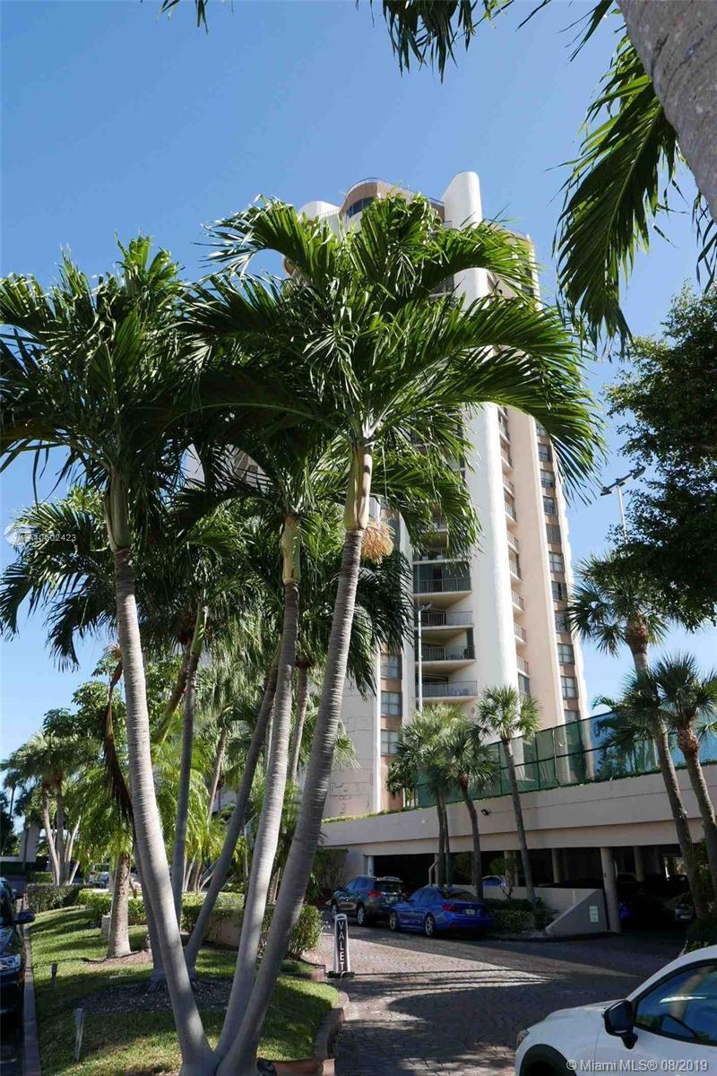 1800 Ne 114th St Miami, FL 33181