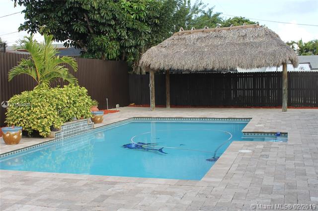15810 Palmetto Club Dr Miami, FL 33157