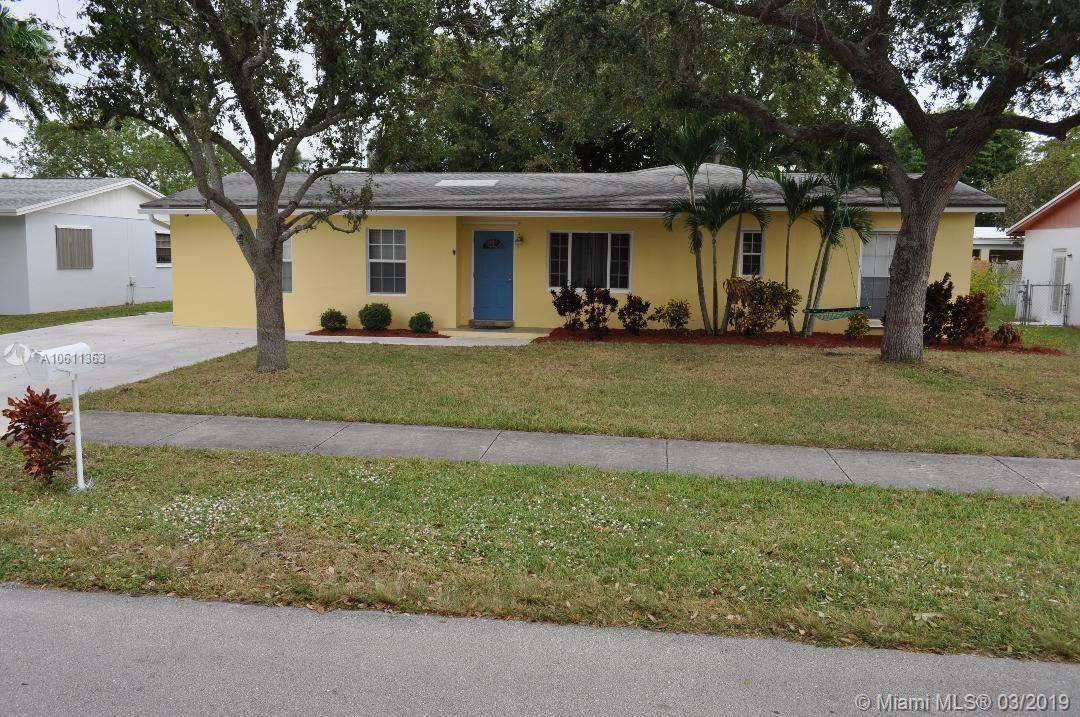 18003 SW 89th Pl, Kendall in Miami-dade County County, FL 33157 Home for Sale