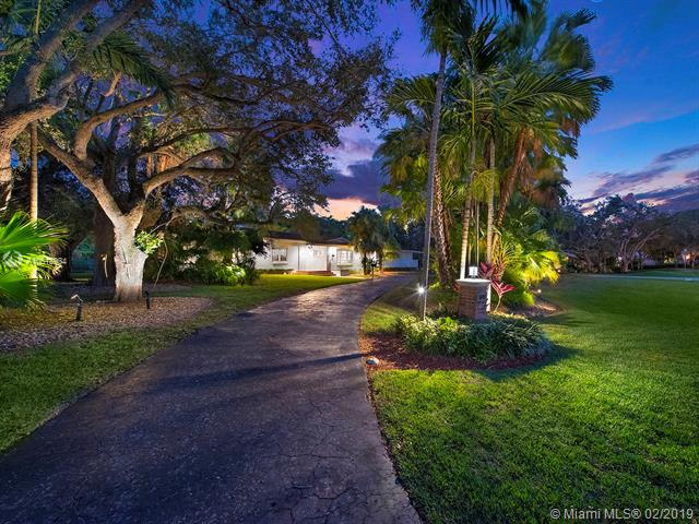 5890 SW 117th St, Kendall, Florida