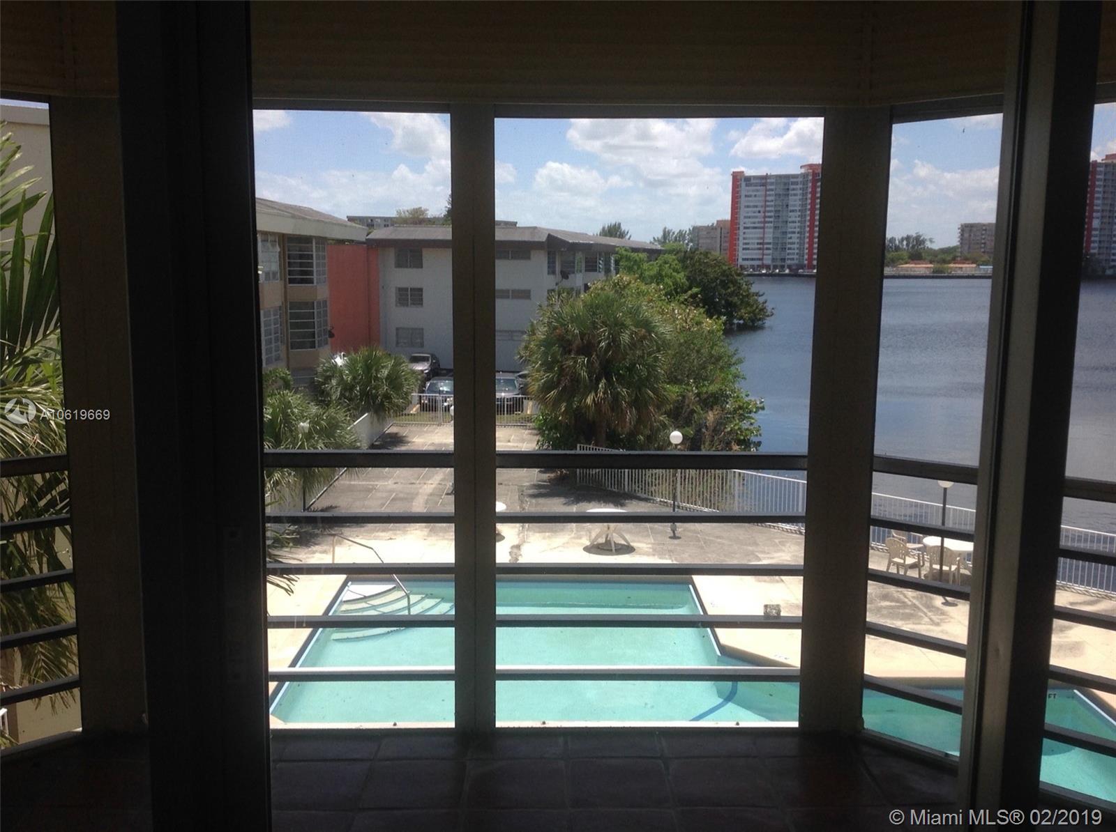 1398 Ne 191st St Miami, FL 33179