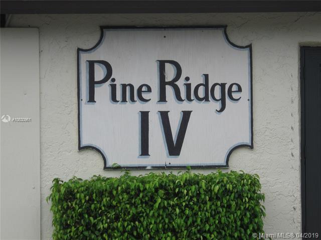 5860 Whispering Pine Way Green Acres, FL 33463