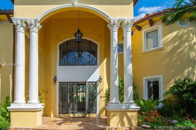5861 Sw 104 St Pinecrest Village, FL 33156