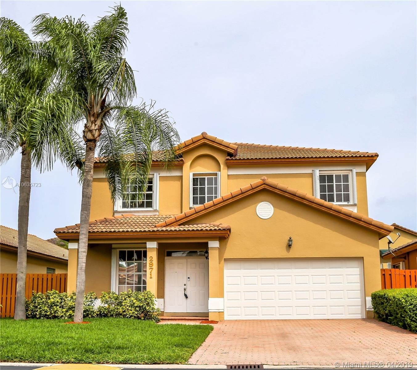 2971 NW 98th Pl, Doral, Florida