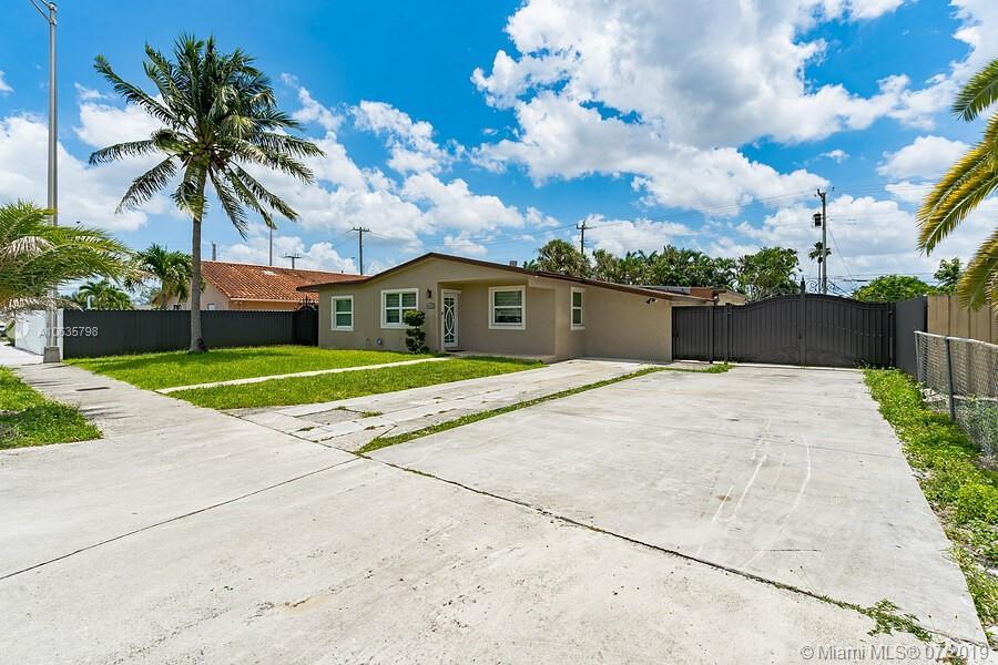 420 W 77th St Hialeah, FL 33014
