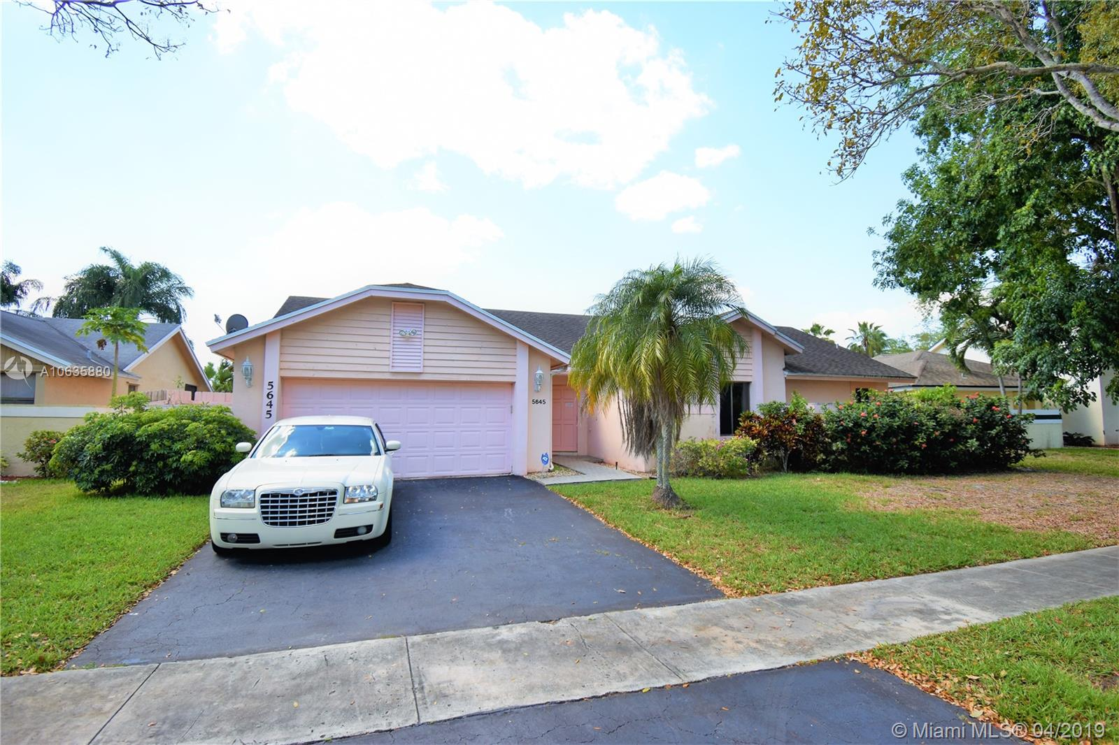5645 SW 88th Ave, Cooper City, Florida