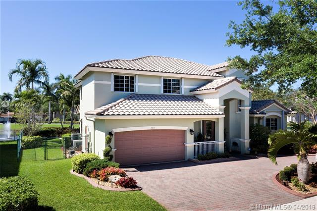 2832 Poinciana Cir, Cooper City, Florida