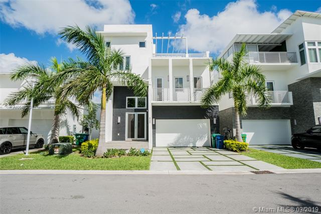 8285 Nw 34th Dr Miami, FL 33122