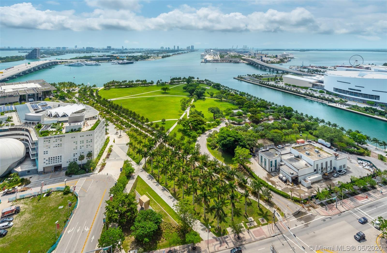 1040 Biscayne Blvd Miami, FL 33132