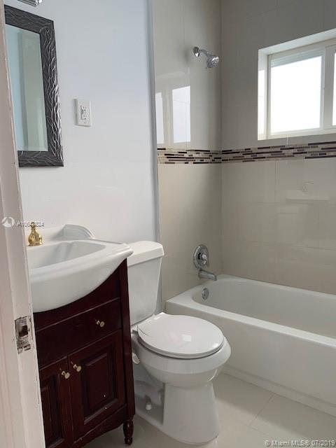 3325 SW 67th Ave - photo 8