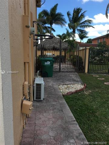 15711 Sw 66th Ter Miami, FL 33193