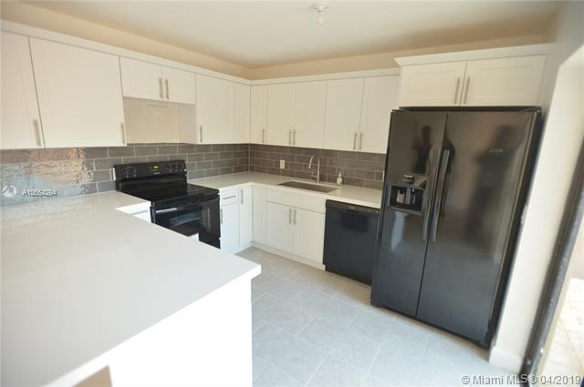 2555 Lakeview Ct, Cooper City, Florida