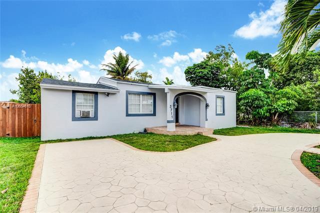 3711 Nw 11th St Miami, FL 33126