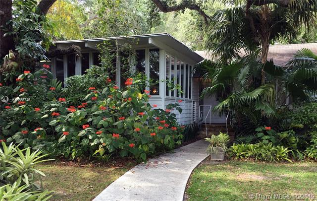 5827 Sw 84th St South Miami, FL 33143