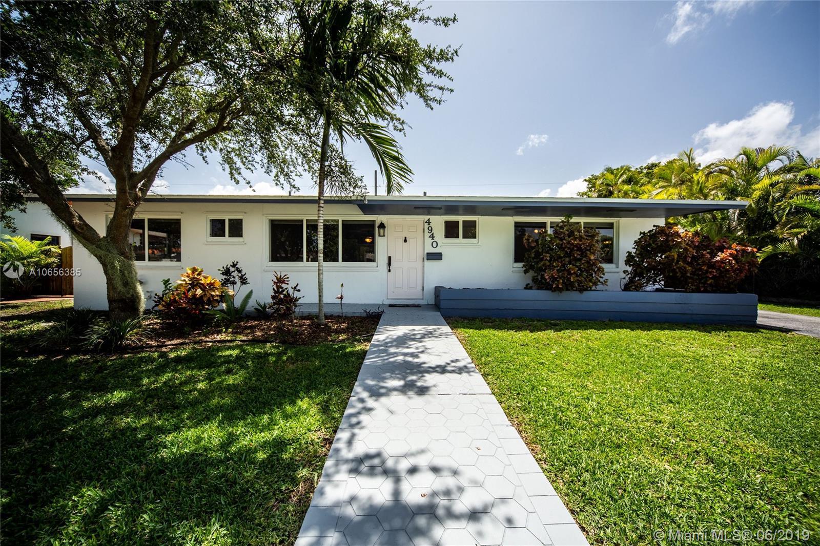 4940 Sw 94th Ct Miami, FL 33165