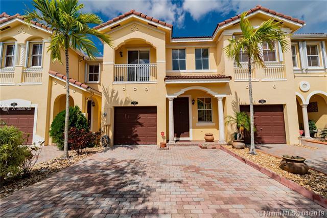 910 Sw 151st Pl Miami, FL 33194