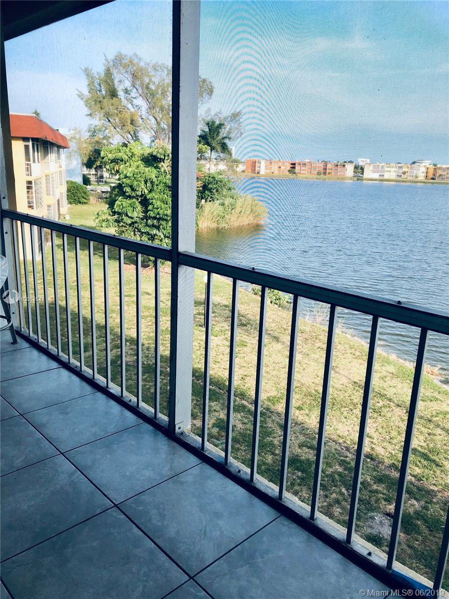 1530 Ne 191st St Miami, FL 33179