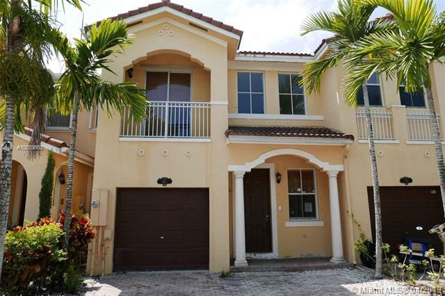 966 Sw 151st Pl Miami, FL 33194