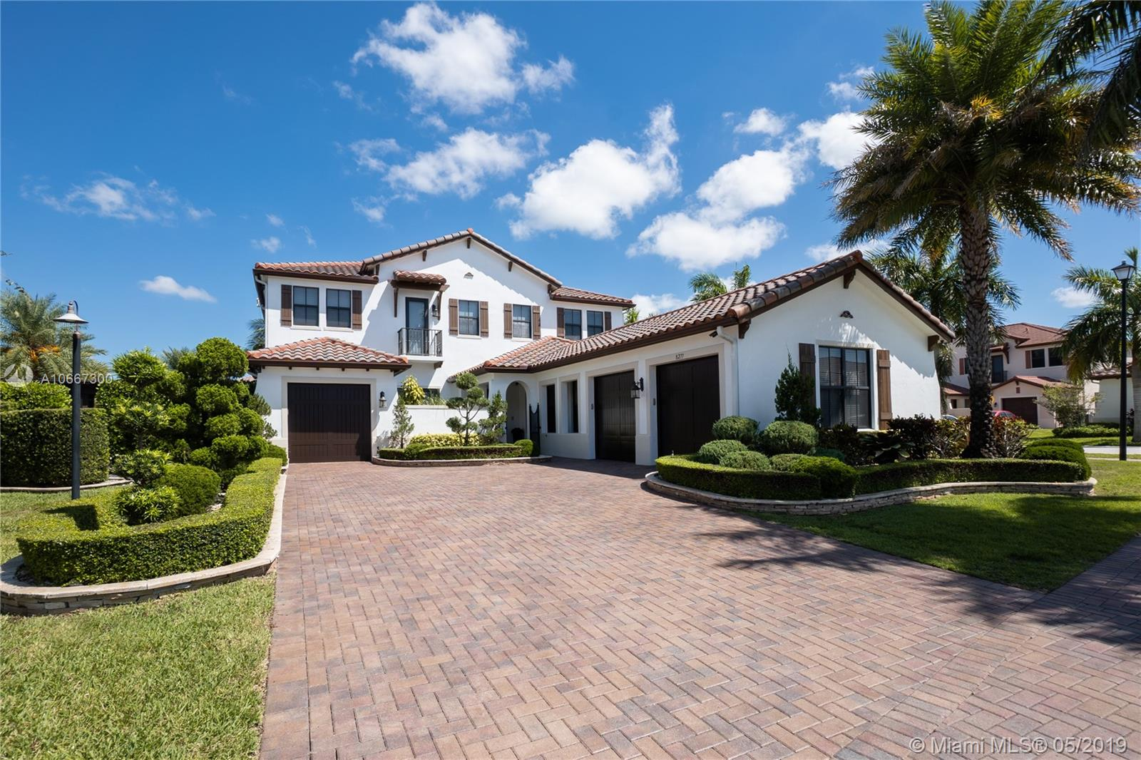 8277 NW 30th St, one of homes for sale in Cooper City
