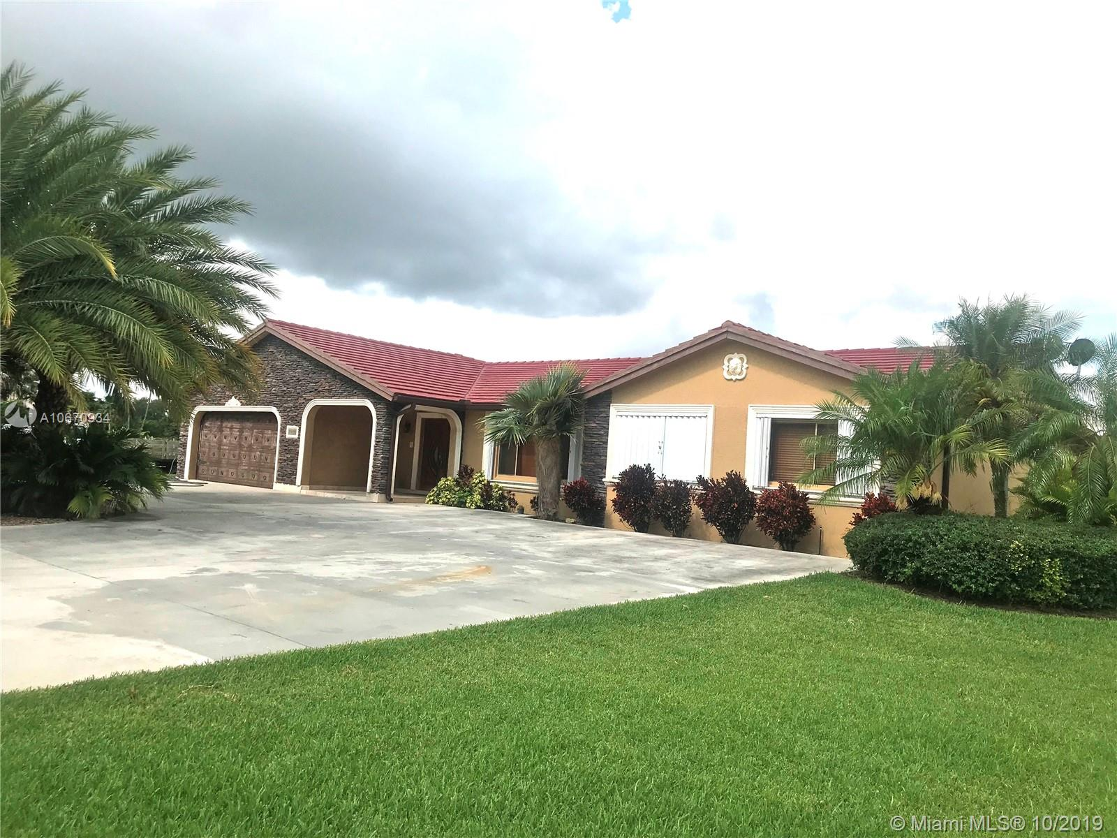 24450 SW 214th Pl, Homestead, Florida