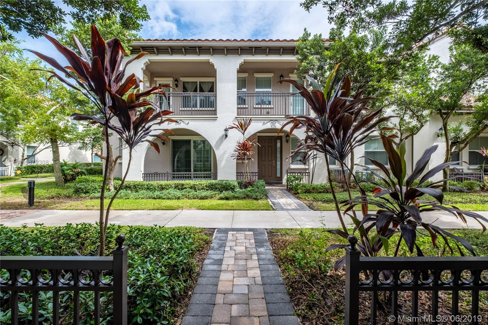 4084 Cascada Cir, one of homes for sale in Cooper City