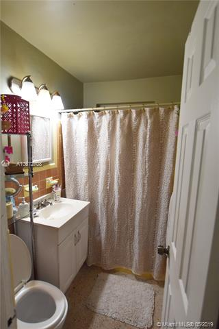 21 NW 76th Ave - photo 5