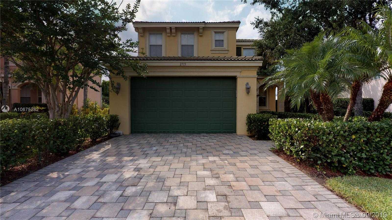 2715 Pienza Cir, Royal Palm Beach, Florida