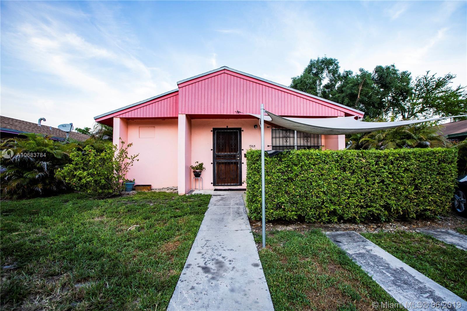 1965 NW 3rd Ave, Grand Bahama Island, Florida